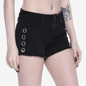 New Hot Topic Grommet Studs Black Shorts
